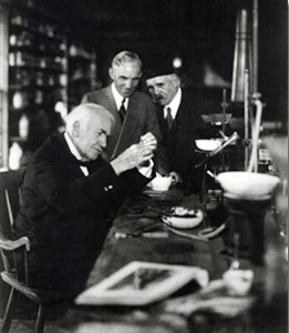 How Thomas Edison Invented The Light Bulb - Amazing Light ...:Science In The 1870s,Lighting
